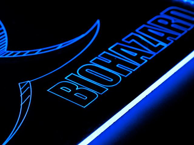 Окно с гравировкой и подсветкой Biohazard 150х150мм синий BZ 20 blue